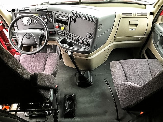 Featured Used Truck - 2015 Freightliner Cascadia